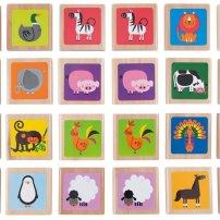 Jeu de mémoire Hape: Plusieurs de manières d'y jouer: trouver les deux pareils à jeu ouvert ou à jeu fermé, nommer les animaux… De jolies pièces et une belle peinture, vient dans un p'tit sachet ben le fun à traîner en voyage!