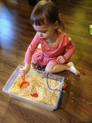 Activité initiale: on chasse les trésors (en bouffant du riz soufflé...)