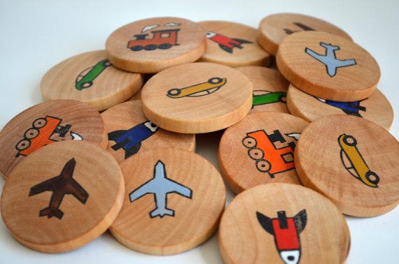 Jeu de mémoire en bois, aussi pour apprendre des nouveau mots.