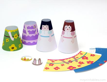 P'tites poupées coniques à habiller. Le lien mène vers la page parce qu'il y a plein de possibilités de PDF :)