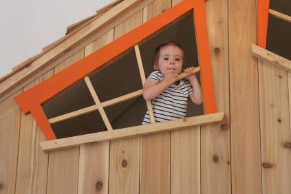 Mini Puce dans la super cabane.