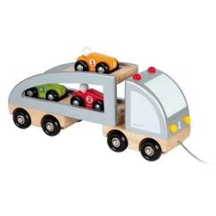 Autos en bois sur un gros camion qu'on peut traîner avec une corde, de Janod. 34,99$ sur Well.ca Lien: https://well.ca/products/janod-multi-cars-trucks_68935.html